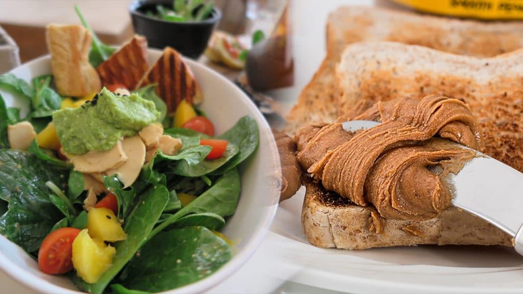 2 Recettes : Salade hyper complète & tartine au beurre de cacahuète